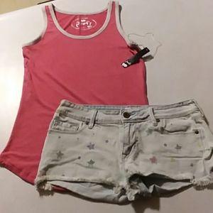 T-shirt & jean shorts